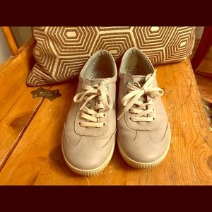 Ecco Grey leather walking shoes/sneakers